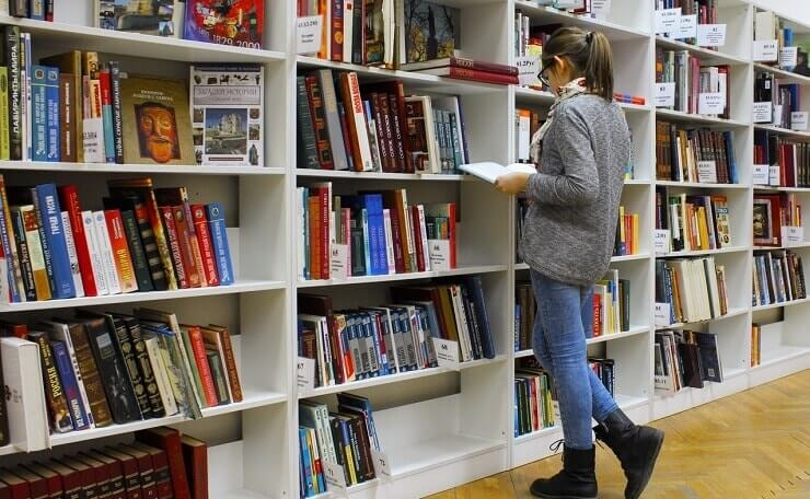 archive-beautif10 Books You Must Read in This Lifetimeul-book-stack-256455(1)-min(1)