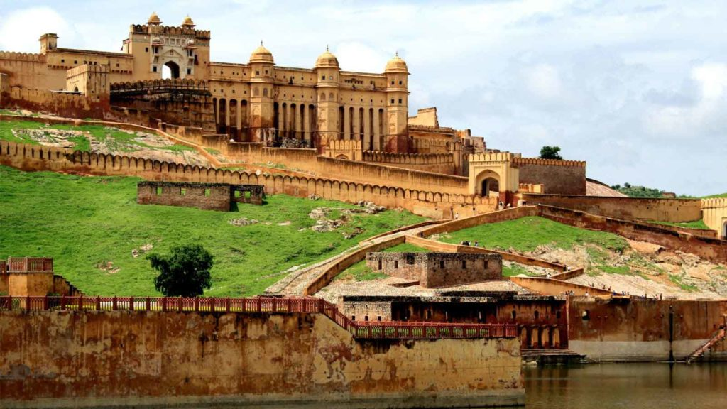 best traveling places - jaipur
